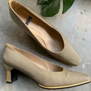 [Stuart Weitzman]• vintage fabric heels